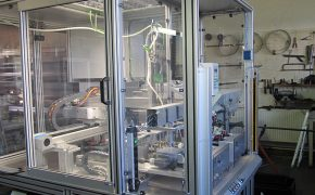 Sondermaschinenbau Schutzkabine